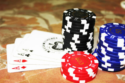 Seven online poker facts
